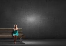 Сюрприз девушки ждать Стоковое Фото