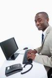 Ся бизнесмен используя компьютер Стоковые Изображения