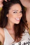 Ся женщина с симпатичными зубами стоковые фото