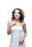 Ся молодая женщина с цветком в волосах Стоковые Изображения