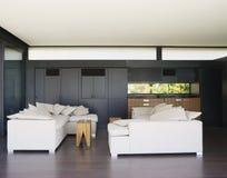Славная внутренняя современная живущая комната Стоковые Фото