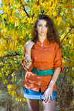 Славная молодая женщина outdoors Стоковые Изображения