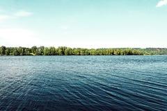 Славная погода на красивом побережье Стоковое Изображение RF