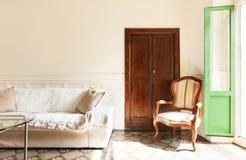 Славная просторная квартира, живущая комната Стоковые Фото