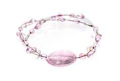 Славное элегантное ожерелье сделанное розовых самоцветов и камней кристаллов Стоковые Фотографии RF