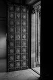 Дверь старого типа Стоковые Изображения