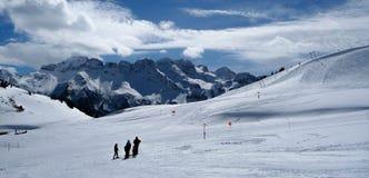 Славные взгляды катаясь на лыжах Portes du Soleil, Франция Стоковые Изображения RF
