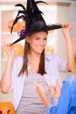 Славные девушки имея партию хеллоуина Стоковое Изображение