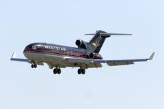 Славные старые 727 приземляясь Стоковые Изображения RF