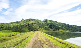 Славный ландшафт, холм/moutain, озеро Стоковое Фото