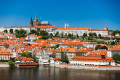 Славный взгляд замка Праги Praha стоковое изображение rf