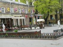 Славный и уютный двор стоковая фотография