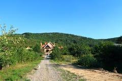Славный дом в горах Стоковая Фотография RF