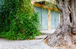 Славный, Франция - 17-ое октября 2011: Музей около славного, Франция Renoir Cagnes-sur-Mer - деревня Дом где Renoir пребывало dur Стоковые Изображения