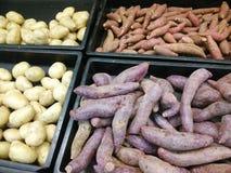 Сладкие картофели для продажи Стоковая Фотография RF