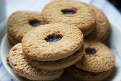 Сладостное печенье на белой предпосылке стоковые изображения