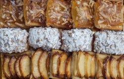Сладостное печенье, печенье слойки с напудренным сахаром, с гайками сосны, при варенье сделанное от тыквы Сиама, печенье слойки с Стоковое фото RF