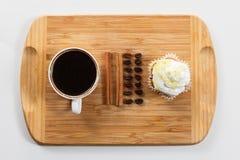 Сладостные булочка и кофе Надземный взгляд Стоковые Фото