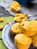 Сладостные булочки тыквы и яблока Стоковая Фотография