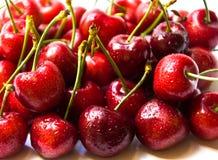Сладостные вишни на белизне Стоковые Фотографии RF