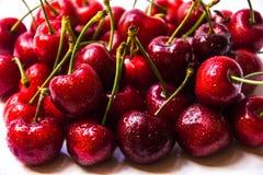 Сладостные вишни на белизне Стоковые Изображения RF