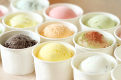 Сладостные и красочные ветроуловители мороженого Стоковое фото RF