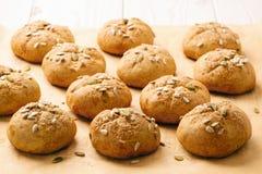 Сладостные плюшки тыквы с циннамоном и имбирем Стоковое Фото
