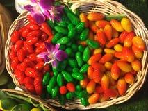 Сладостные confections фасоли в корзине Стоковые Фотографии RF