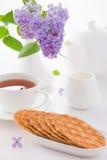 Сладостные waffles на белой плите Стоковые Изображения RF