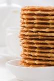 Сладостные waffles на белой плите Стоковая Фотография