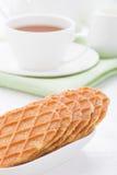 Сладостные waffles на белой плите Стоковые Изображения