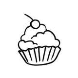 Сладостный десерт для чая Корзина песка с взбитыми сливк и вишней Стоковые Фотографии RF