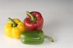 сладостный красный цвет желтого цвета зеленого цвета болгарского перца Стоковые Фотографии RF