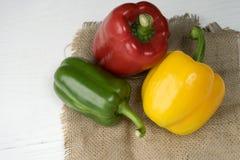 сладостный красный цвет желтого цвета зеленого цвета болгарского перца Стоковое Фото