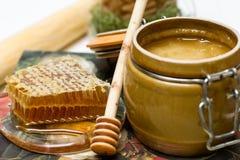 Мед в баке, соте и ручке Стоковое фото RF