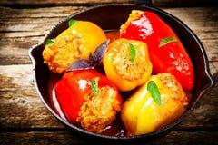 Сладостный перец заполненный с земным мясом и рисом Стоковое Фото
