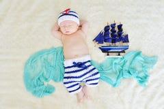 Сладостный newborn мальчик Стоковые Фото