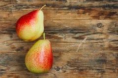2 сладостных зрелых красных груши Стоковая Фотография