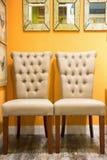 С белых стульев Стоковое Фото