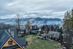 С взглядами вилл Tatras в утре Zakopane Стоковая Фотография RF