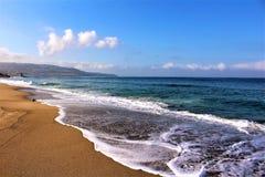 С видом на море на пляже Калифорния Hermosa в Los Angeles County, Калифорния, Соединенных Штатах стоковая фотография rf
