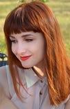 С волосами усмехаться девушки Стоковое Фото