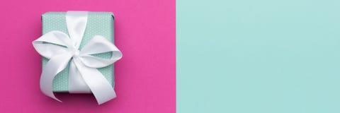 С днем рождения, голубая дня ` s дня или валентинки ` s дня, женщин ` s матери пастельная и розовая предпосылка цвета конфеты Пло Стоковое Изображение