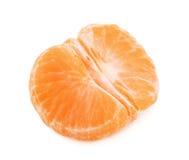 Слезли половина плодоовощ tangerine или мандарина изолированная на белом backgr Стоковые Фотографии RF