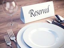 сдержанно таблица знака ресторана бесплатная иллюстрация