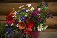 сделайте цветки ее сообщение влюбленности много бак ow вы Стоковое Изображение RF