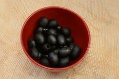 Сделанные ямки черные ollives стоковая фотография