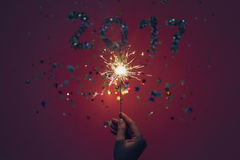 2017 сделали confetti и бенгальского огня Стоковая Фотография