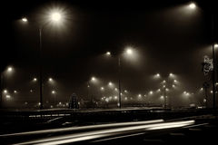 След города ночи освещает черно-белое Стоковая Фотография