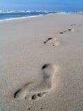След ноги на песке Стоковые Фотографии RF